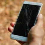 Écran de smartphone cassé… pourquoi faut-il le changer rapidement ?